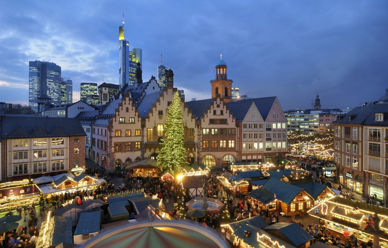 Christmas In Europe Wallpaper.Wallpaper People Holiday Tree Europe Houses Carousel