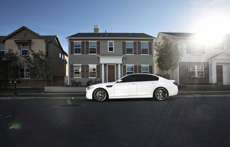 Photo wallpaper white, house, street, bmw, BMW, profile, white, drives, f10