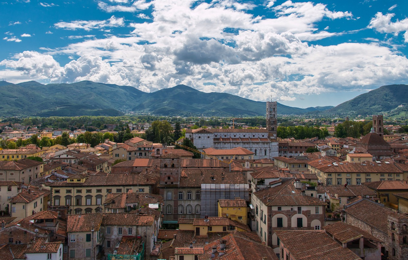 Photo wallpaper mountains, building, home, roof, Italy, panorama, Italy, Tuscany, Tuscany, Lucca, Lucca