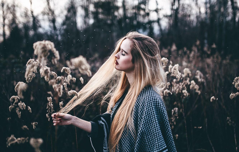 Photo wallpaper grass, girl, hair, makeup, Christina, moments
