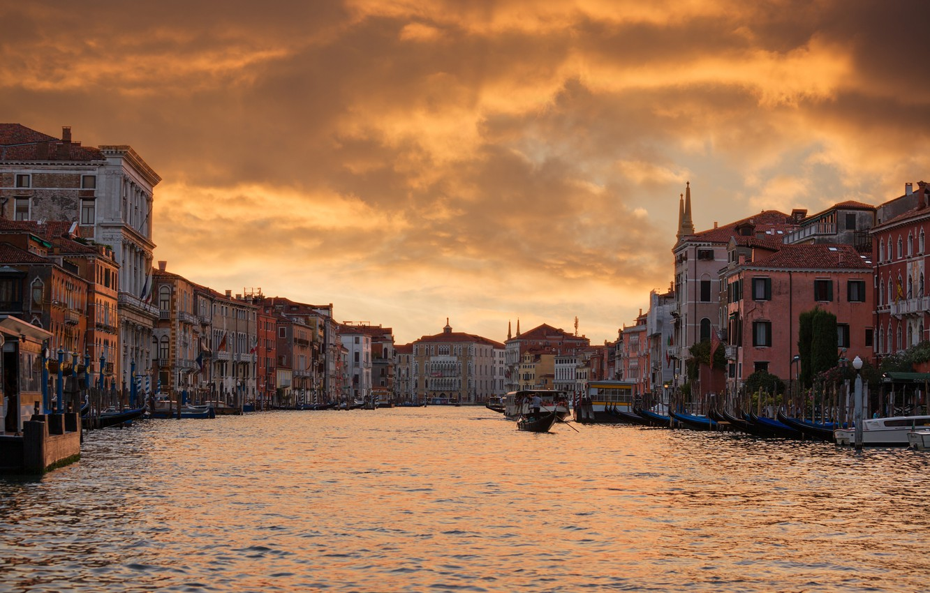 Photo wallpaper the sky, clouds, city, the city, lights, lights, boat, home, Night, the evening, Venice, sky, …