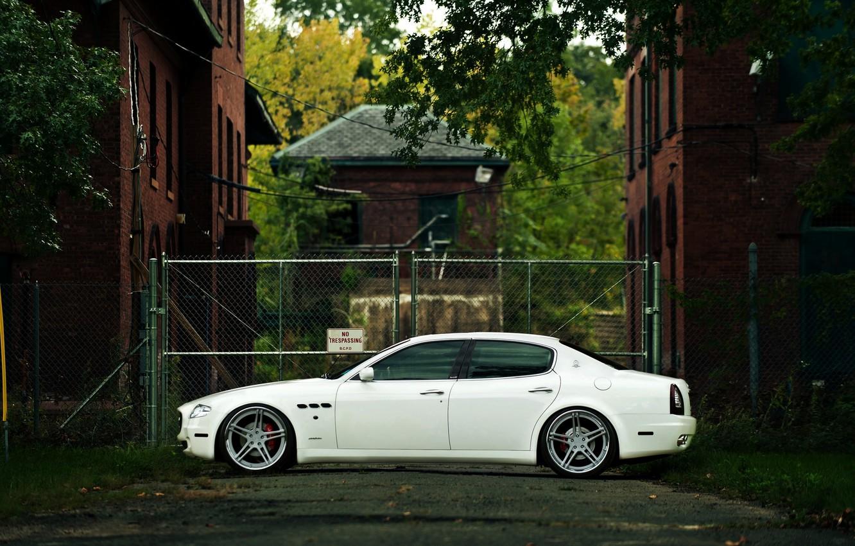 Photo wallpaper Maserati, Quattroporte, Auto, White, House, Machine, Street, The building, Sedan, Overcast