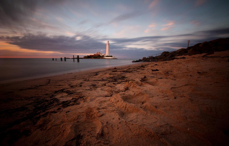 Photo wallpaper sand, sea, sunset, stones, shore, coast, lighthouse, England, the evening, Cape, St. Marys Lighthouse