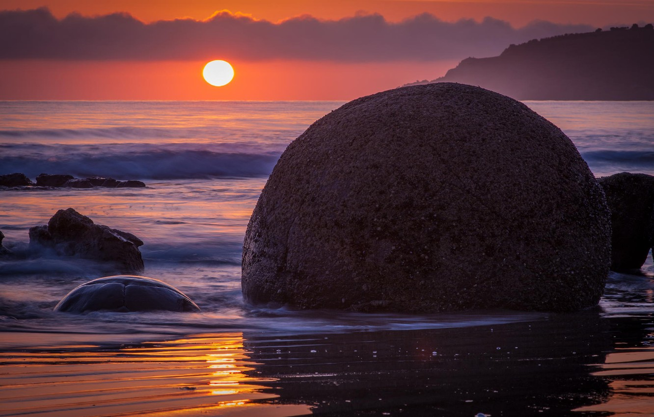 Photo wallpaper the ocean, dawn, round, shore, stone