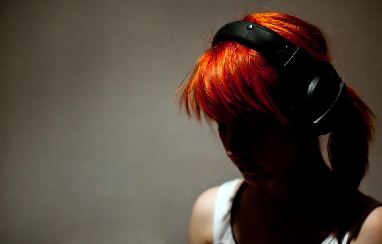 Photo wallpaper red, girl, headphones, rude, Hayley Williams