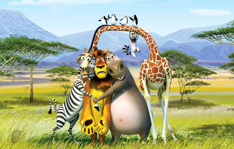 Photo wallpaper trees, mountains, desert, cartoon, Leo, penguins, giraffe, Zebra, lemur, Africa, Madagascar, Melman, Alex, king Julian, …