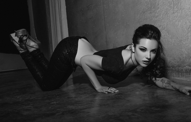 Photo wallpaper ass, chest, girl, wall, feet, model, tattoo, shoes, floor, heels, studs, top, pants, Elizabeth Marxs
