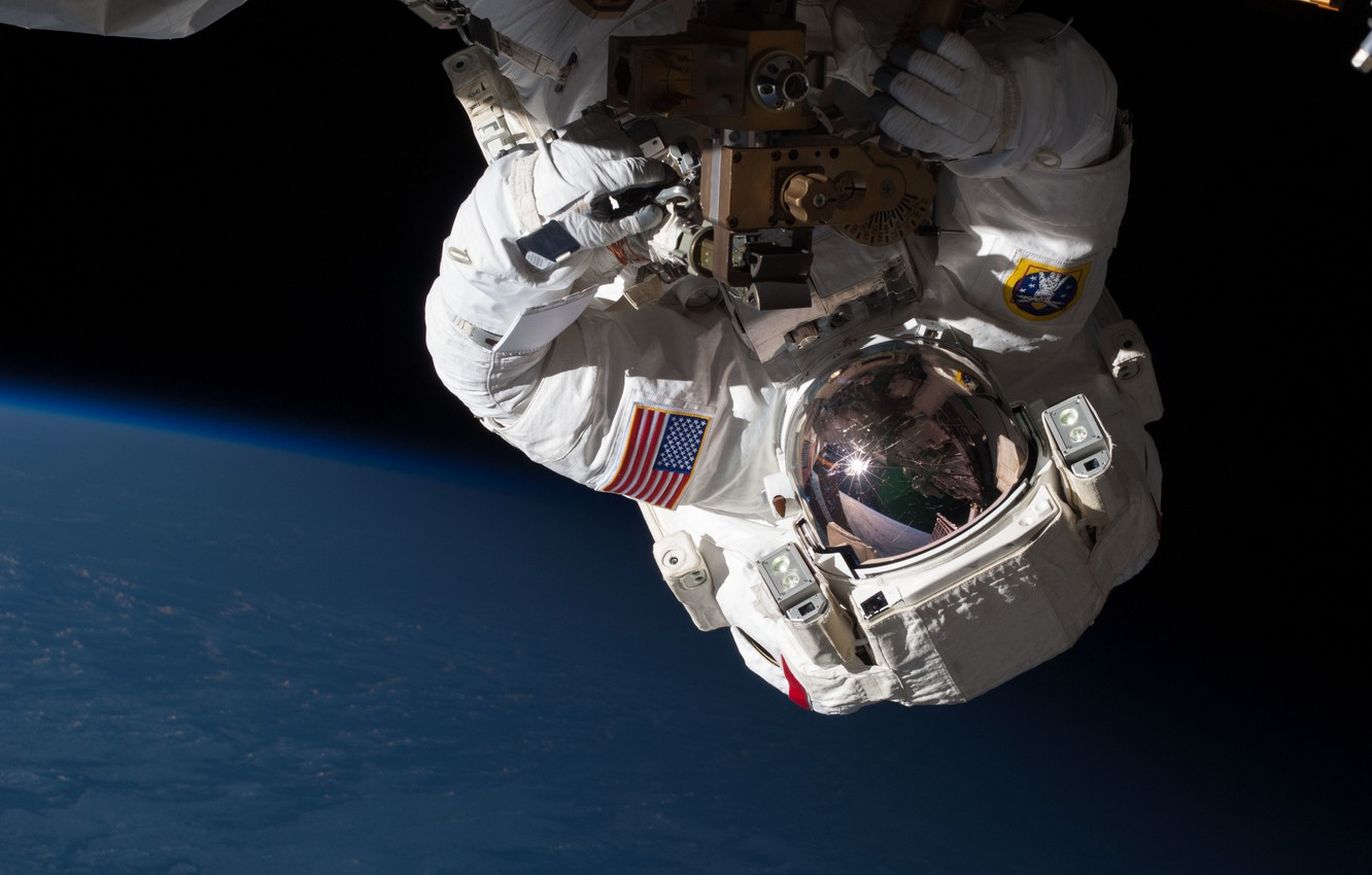 Photo wallpaper NASA, ISS, International Space Station, Chris Cassidy, Repairing the Station in Orbit
