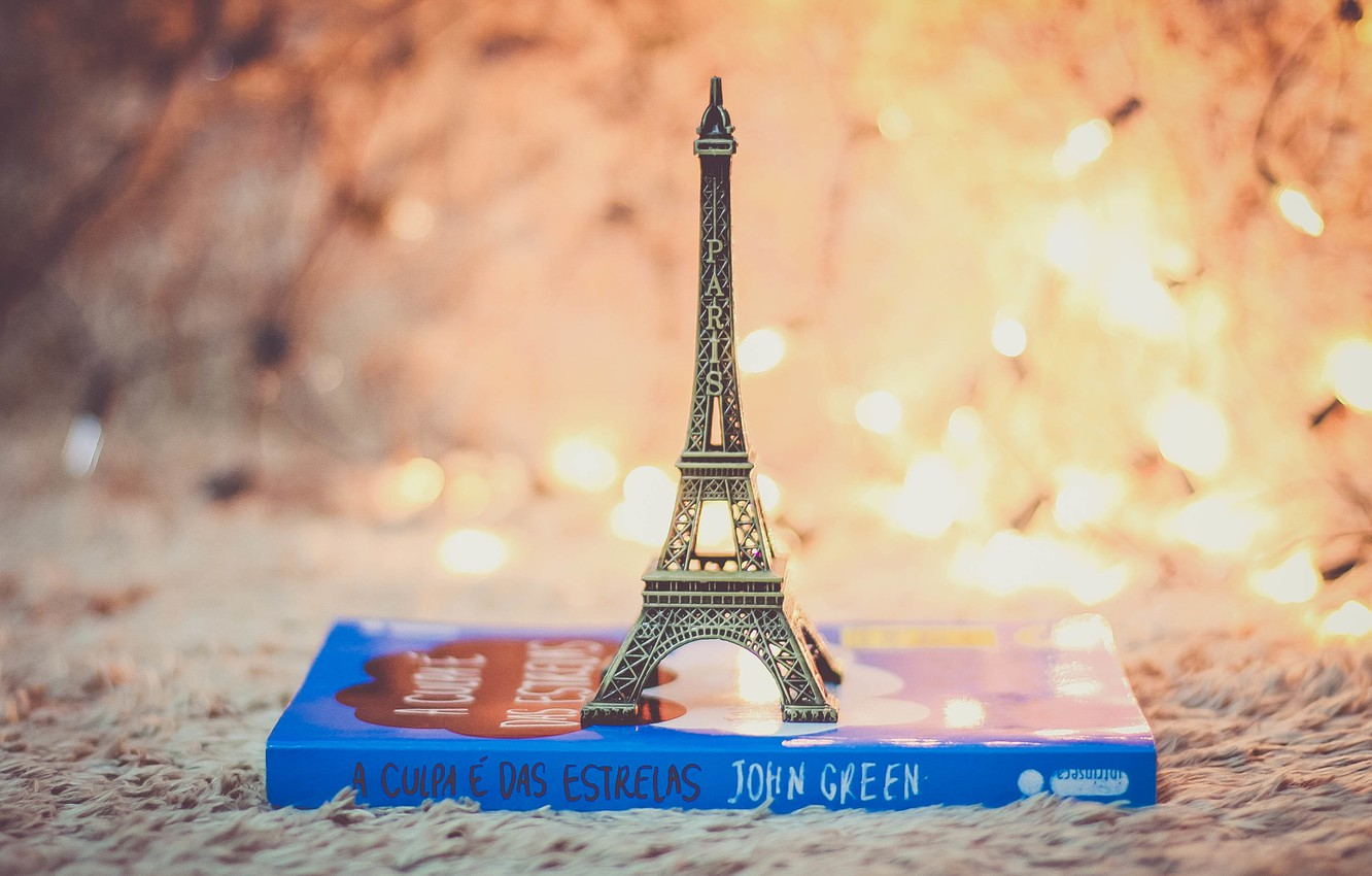 Photo wallpaper toy, book, Eiffel tower