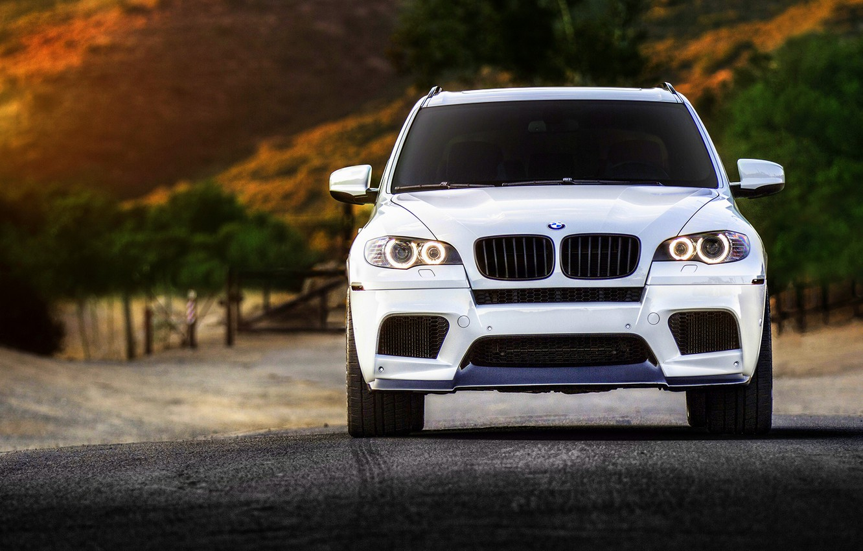 Photo wallpaper BMW, white, wheels, tuning, front, X5M