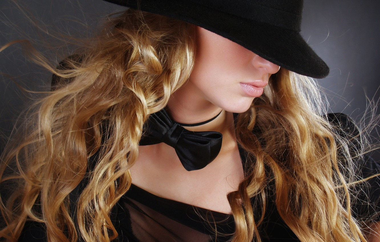 Photo wallpaper girl, face, butterfly, hair, hat, profile, curls