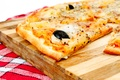 Picture Italian cuisine, meat, Pizza, olives, Board, dish, onion, towel, pizza, grass, tomato, olives, meat, towel, ...