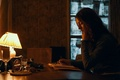 Picture room, vampire, Saoirse Ronan, Saoirse Ronan, table, actress, Byzantium, Byzantium, lamp, glass, reads