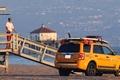 Picture 272, rescuers, escape, beach, Ford